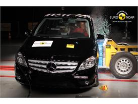 Mercedes-Benz B-Class – Side crash test