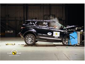 Range Rover Evoque – Front crash test