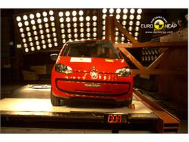 VW up! – Pole crash test