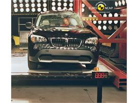 BMW X1 – Pole crash test