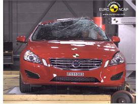 Volvo V60 – Pole crash test