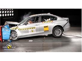 BMW 3 Series– Front crash test
