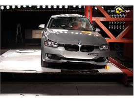 BMW 3 Series– Pole crash test