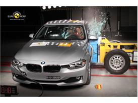 BMW 3 Series-Side crash test