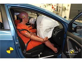 Hyundai i30– Passenger crash test