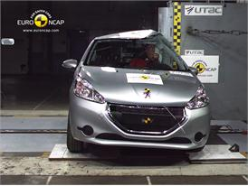 Peugeot 208– Pole crash test