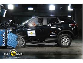 Mazda CX-5 – Front crash test