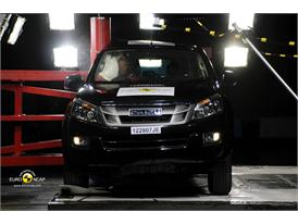 Isuzu D-MAX – Pole crash test