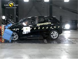 Kia C'eed – Front crash test