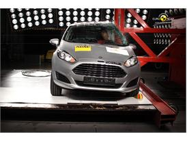 Ford Fiesta Pole crash test 2012