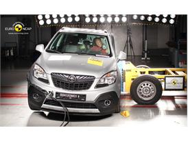 Opel Mokka Side crash test 2012