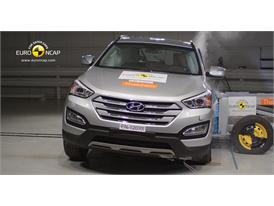 Hyundai Santa Fe Side crash test 2012