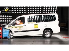 FIAT Scudo Frontal crash test 2012