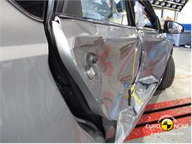 Toyota Auris - Side crash test 2013 - after crash