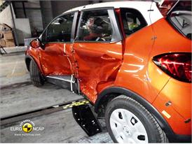 Renault CAPTUR - Side crash test 2013 - after crash