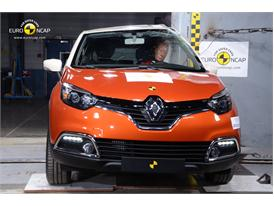 Renault CAPTUR - Pole crash test 2013