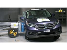 Honda CR-V -Side crash test 2013