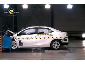 Toyota Corolla- Frontal crash test 2013