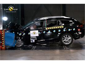Mazda 6 - Frontal crash test 2013