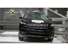 Jeep Cherokee - Pole crash test 2013