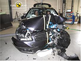 Suzuki SX4 - Frontal crash test 2013 - after crash
