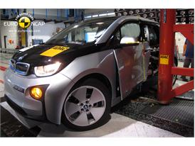 BMW i3 - Pole crash test 2013 - after crash
