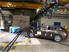 Mazda 3 - Frontal crash test 2013 - after crash