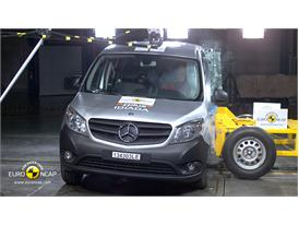 Mercedes-Benz CITAN Kombi reassessment - Side crash test 2013