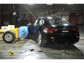 Infiniti Q50 - Side crash test 2013 - after crash