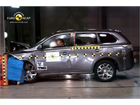 Mitsubishi Outlander PHEV  - Frontal crash test 2013