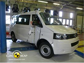 Volkswagen T5 -Pole crash test 2013 - after crash