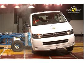 Volkswagen T5 - Side crash test 2013