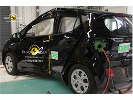 Hyundai i10 - Pole crash test 2014 - after crash