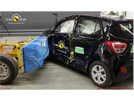 Hyundai i10 -Side crash test 2014 - after crash