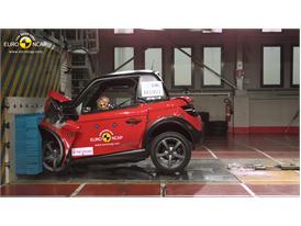 Tazzari ZERO   - Frontal crash test 2014