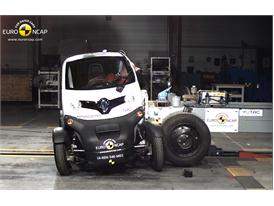 Renault Twizy 80 - Side crash test 2014