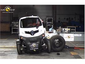 Renault Twizy 80 - Side crash test 2014