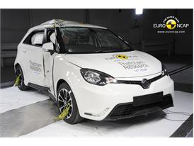 MG3  - Pole crash test 2014 - after crash