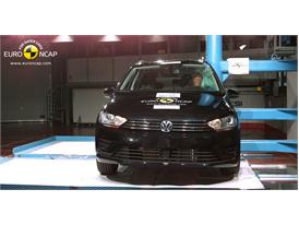 VW Golf Sportsvan - Pole crash test 2014