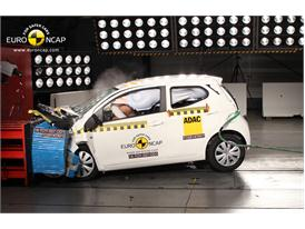 Toyota Aygo  - Frontal crash test 2014