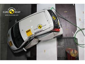 Toyota Aygo  - Pole crash test 2014 - after crash