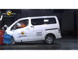Nissan e-NV200 Evalia  - Frontal crash test 2014
