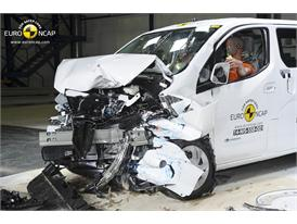 Nissan e-NV200 Evalia - Frontal crash test 2014 - after crash