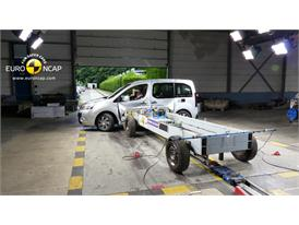 Citroën Berlingo  - Side crash test 2014 - After Crash