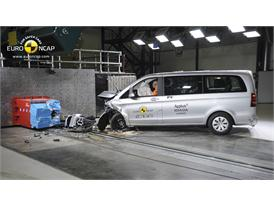 Mercedes-Benz V-Class - Frontal crash test 2014 - after crash