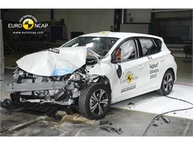 Nissan Pulsar - Frontal crash test 2014 - after crash