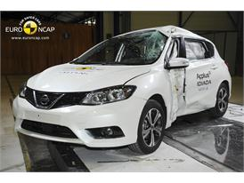 Nissan Pulsar - Pole crash test 2014