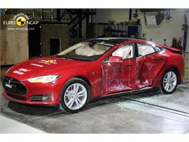 Tesla Model S  - Side crash test 2014