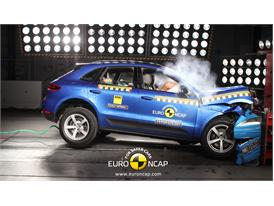 Porsche Macan  - Frontal crash test 2014