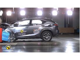 Lexus NX  - Frontal crash test 2014